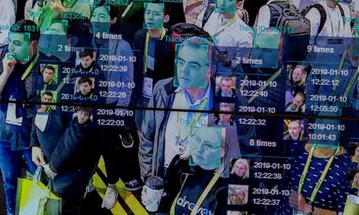 Mặc cho những lo ngại về quyền riêng tư, Australia và nhiều nước vẫn muốn xây dựng cơ sở dữ liệu quốc gia bao gồm khuôn mặt người dân, và áp dụng cho những mục tiêu như hạn chế truy cập web khiêu dâm. Ảnh: The Guardian.